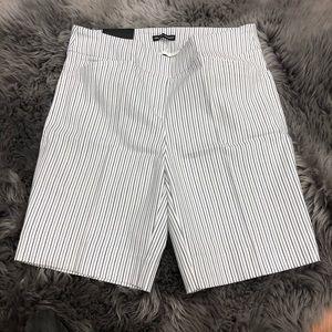 Hilary Radley Bermuda Shorts: White Sriped(PM2032)